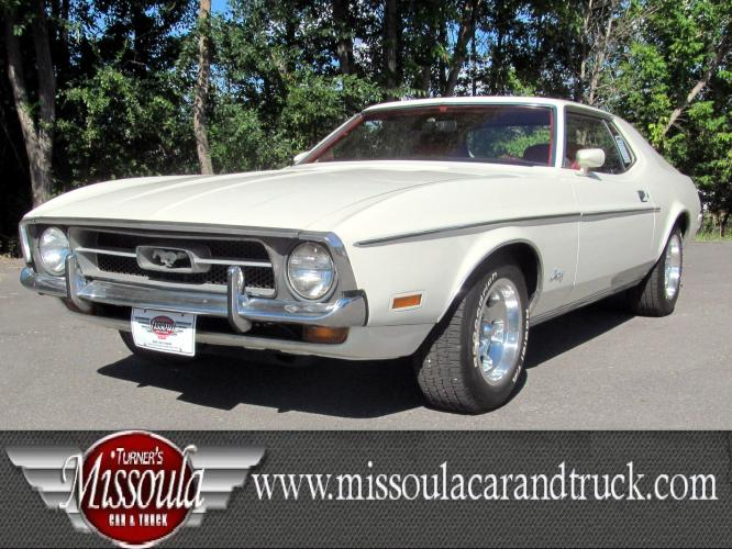 1972 White Ford Mustang (201F237759) with an 302 CID V8 engine, Automatic transmission, located at 450 N Russell, Missoula, MT, 59801, (406) 543-6600, 46.874496, -114.017433 - Photo #0