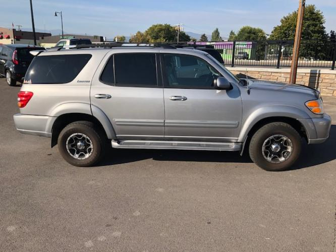 2001 Silver /grey leather Toyota Sequoia Limited 4WD (5TDBT48A91S) with an 4.7L V8 SOHC 16V engine, 4-Speed Automatic Overdrive transmission, located at 450 N Russell, Missoula, MT, 59801, (406) 543-6600, 46.874496, -114.017433 - Photo #0