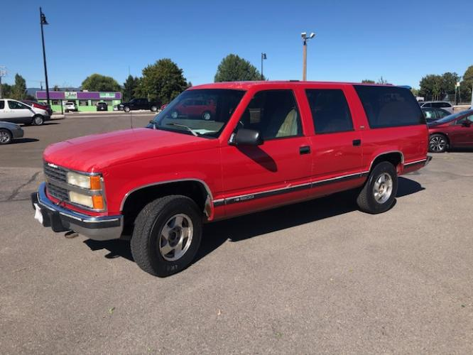 1993 Chevrolet Suburban K1500 4WD (1GNFK16K4PJ) with an 5.7L V8 OHV 16V engine, 4-Speed Automatic Overdrive transmission, located at 450 N Russell, Missoula, MT, 59801, (406) 543-6600, 46.874496, -114.017433 - Photo #0