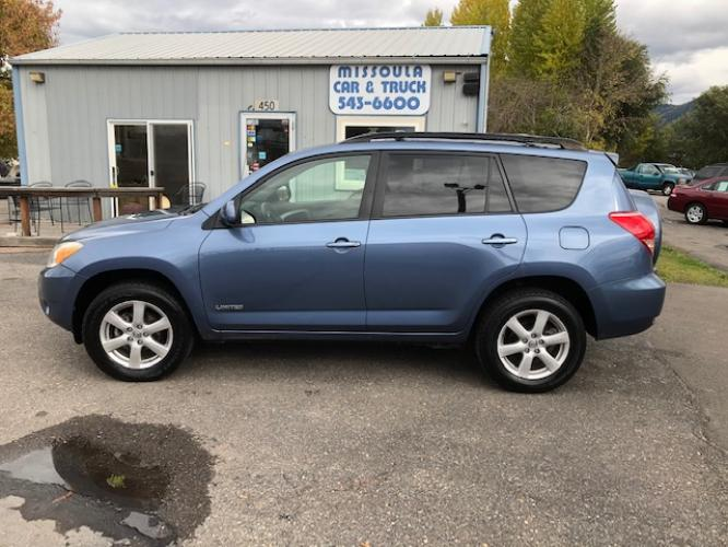2008 Toyota RAV4 Limited I4 4WD (JTMBD31V886) with an 2.4L L4 DOHC 16V engine, 4-Speed Automatic transmission, located at 450 N Russell, Missoula, MT, 59801, (406) 543-6600, 46.874496, -114.017433 - Photo #0