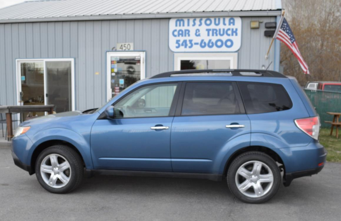 2010 Blue Subaru Forester 2.5X Premium (JF2SH6CC9AH) with an 2.5L H4 SOHC 16V engine, 4-Speed Automatic transmission, located at 450 N Russell, Missoula, MT, 59801, (406) 543-6600, 46.874496, -114.017433 - Photo #0