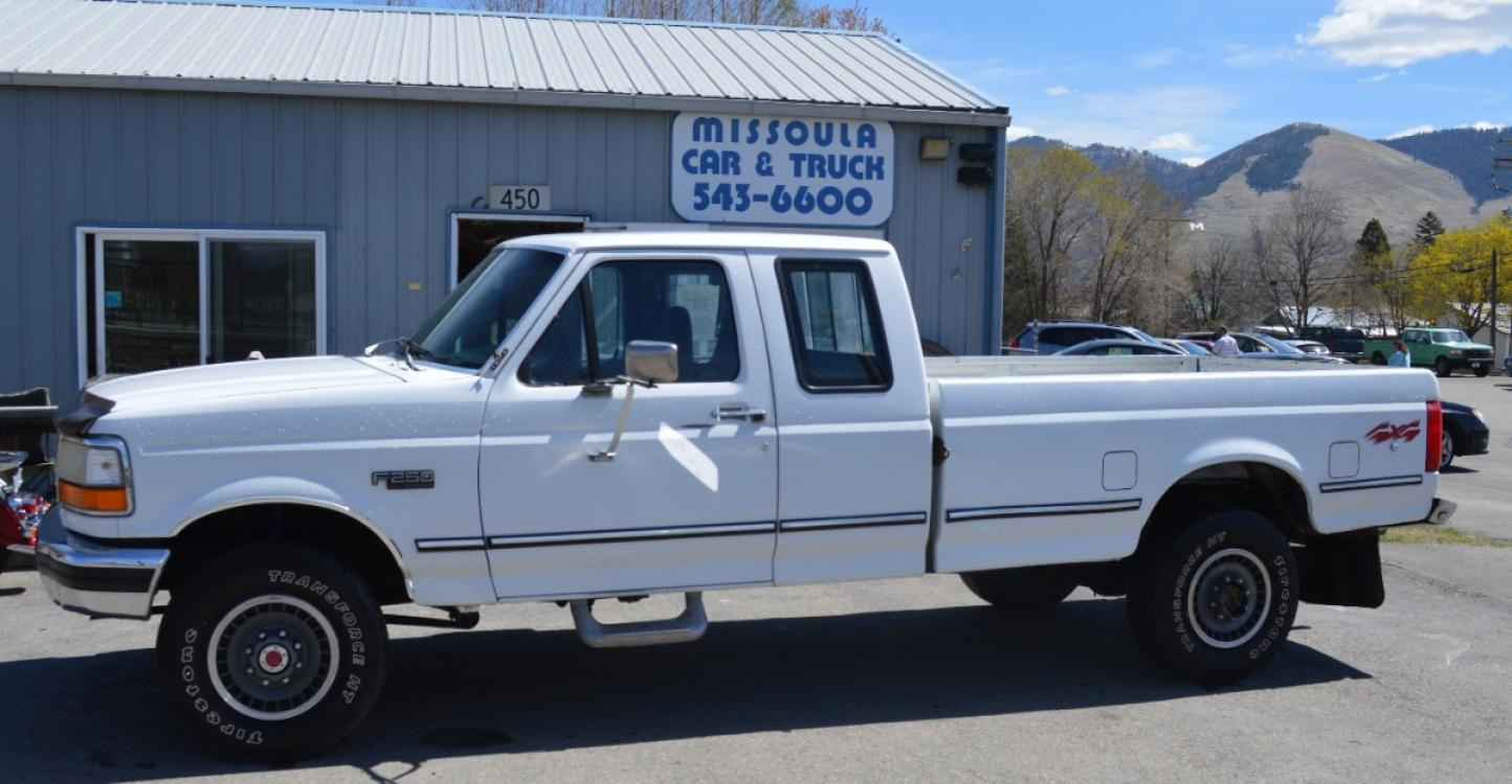 1993 White Ford F-250 HD XLT SuperCab 4WD (1FTHX26G7PK) with an 7.5L V8 VIH 16V engine, Automatic transmission, located at 450 N Russell, Missoula, MT, 59801, (406) 543-6600, 46.874496, -114.017433 - Photo #0